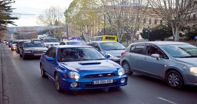 Gürcüstanda avtomobillərin hərəkəti tam qadağan edilir