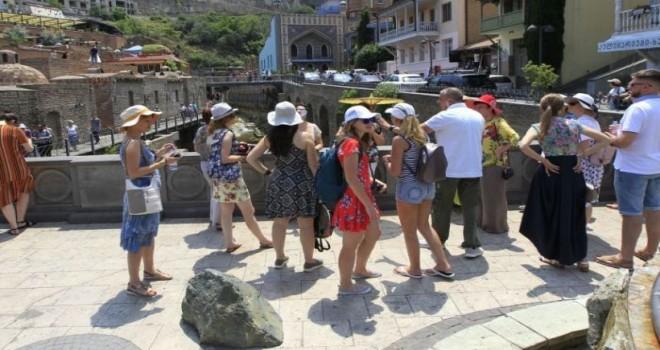 Gürcüstan bu tarixdən etibarən xarici turistləri qəbul edəcək