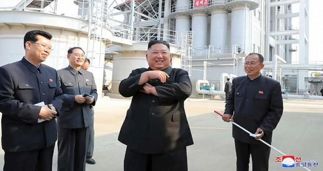 Dünya mediasında ölüm xəbəri verilən Şimali Koreya lideri Kim Jong Un,ölkənin paytaxtı Pxenyanda gübrə fabrikinin açdı