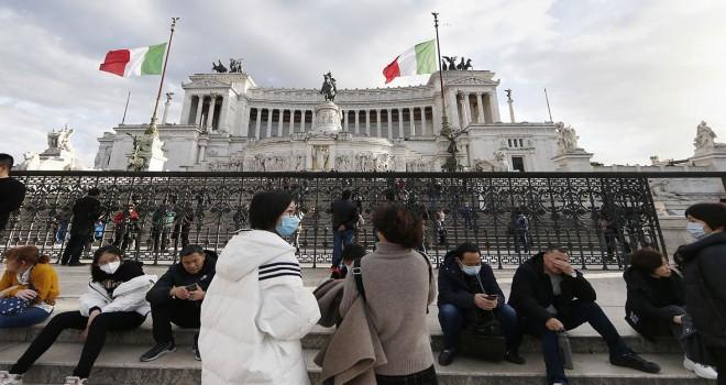 İtaliyada bir gündə 369 ölüm!