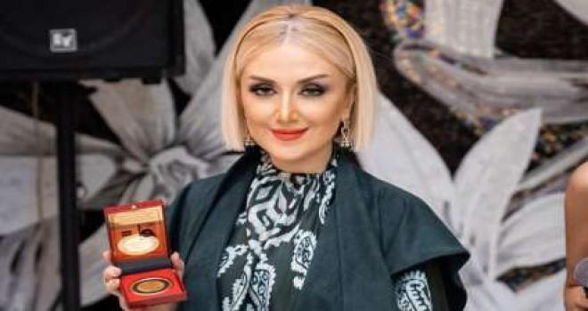 """Gülnarə Xəlilova """"İpək sərvət"""" adlı kolleksiyasını təqdim edib"""