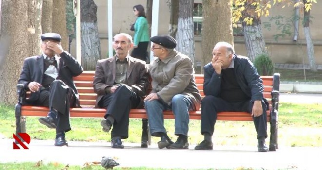 65 yaşdan yuxarı insanların evdən çıxmasına tətbiq olunan qadağa götürüldü